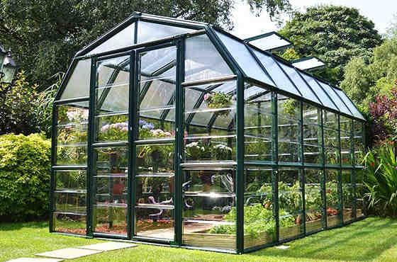 Pourquoi installer une serre dans votre jardin?